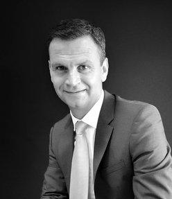 Michael Curtis  Emirates Living Specialist